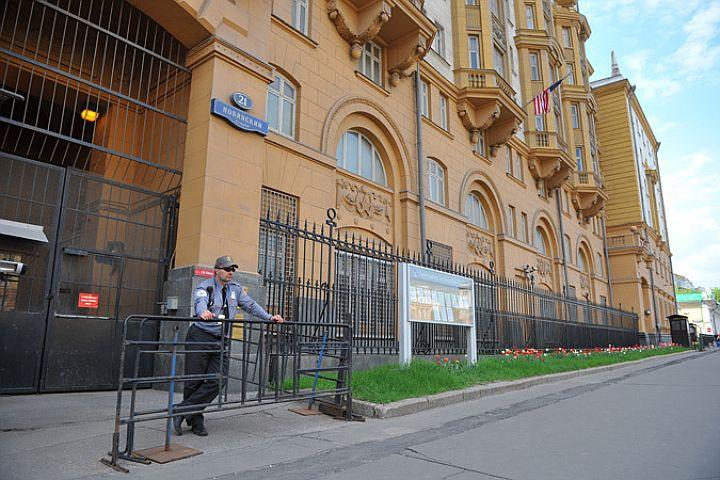 Посольство США в Кыргызстане: Комментариев по грузу не будет
