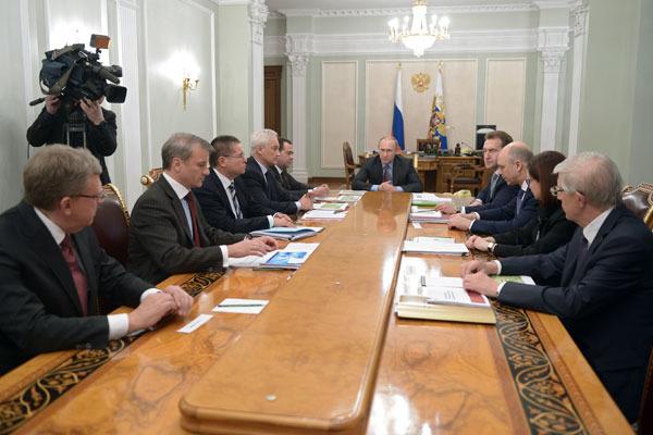Путин намерен лично контролировать ЦБ и правительство