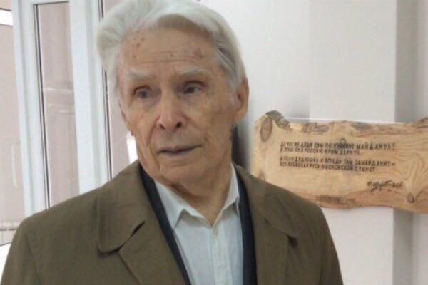 Ветеран из Ростова высмеял в картинах санкционную политику Запада
