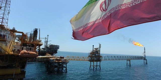 Санкции с Ирана будут снимать в течение года