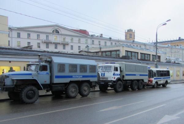 Несколько активистов были задержаны во время одиночных пикетов в Москве