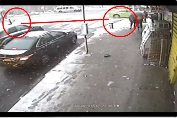 В США потерявший сознание таксист сбил насмерть мужчину и ребенка