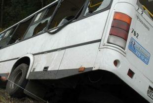 Рейсовый автобус перевернулся в Ханты-Мансийском автономном округе