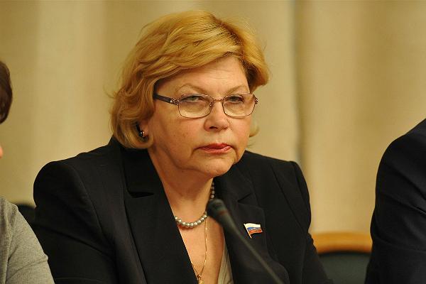 Елена Драпеко спросила премьер-министра об оцифровке архивов