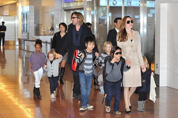 Анджелина Джоли и Брэд Питт примут в семью седьмого ребенка из Сирии