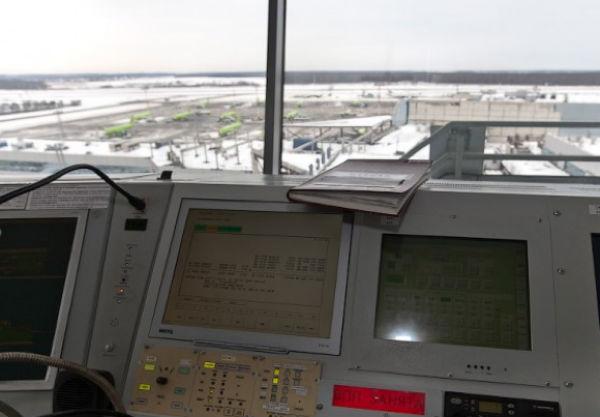 Диспетчер аэропорта умер через 7 минут после медосмотра