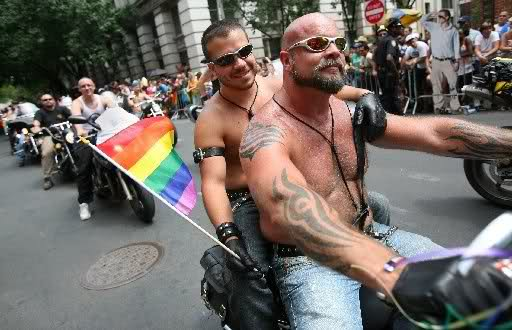 Блог «Ночных волков» хакеры наводнили фотографиями гей-байкеров