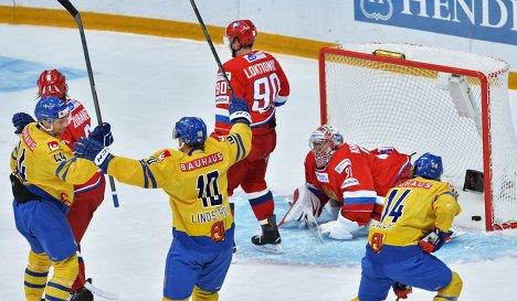 Российские хоккеисты потерпели четвертое поражение подряд