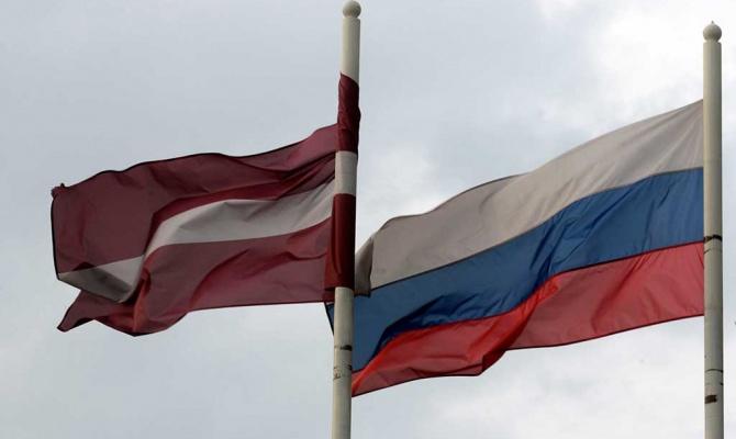 Жителя Латвии привлекают к уголовной ответственности за сбор подписей о присоединении к РФ