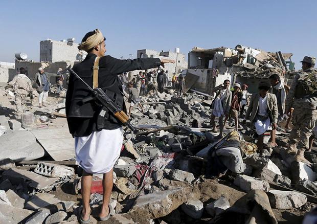 В аэропорту столицы Йемена прогремело несколько взрывов