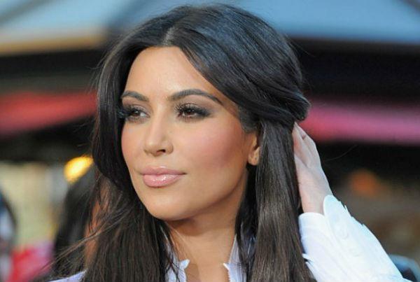 Ким Кардашьян прилетела в Армению изучать страну предков
