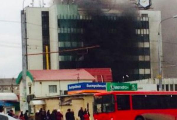 Крупный пожар вспыхнул в Казани