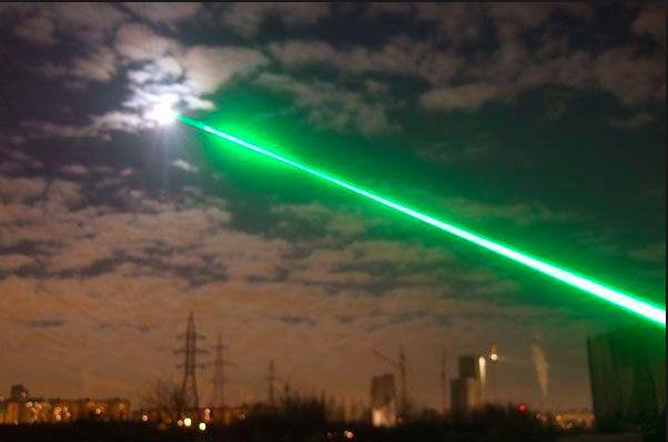 Сразу 3 случая ослепления пилотов лазером произошли во Внуково