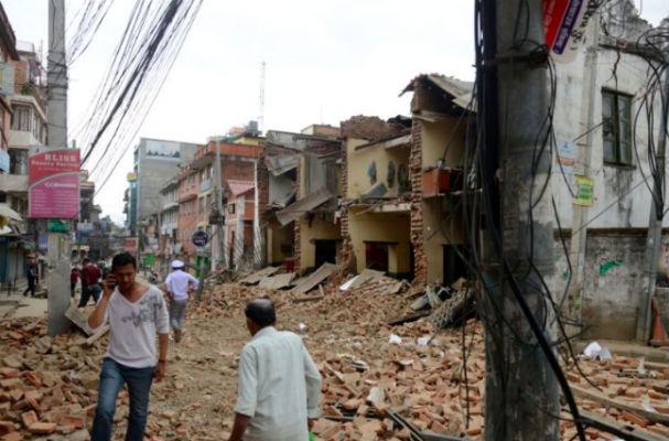 В Непале снова начались сильные подземные толчки