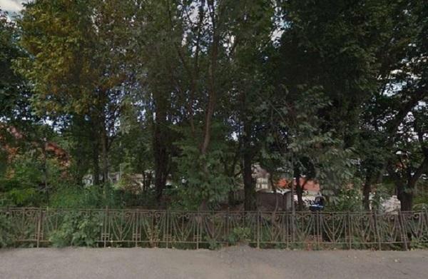 Трое студентов отравились наркотиками в парке Пятигорска