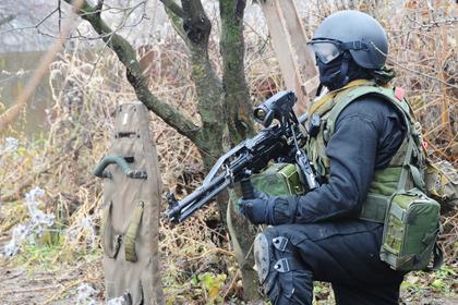 В Буйнакске силовики пошли на штурм дома с боевиками
