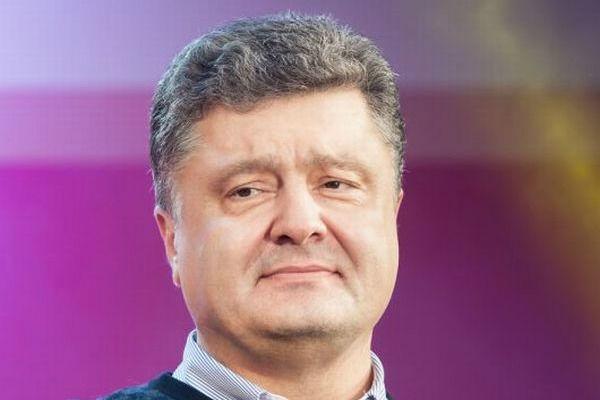 Порошенко сказал, что война помогает победить безработицу на Украине