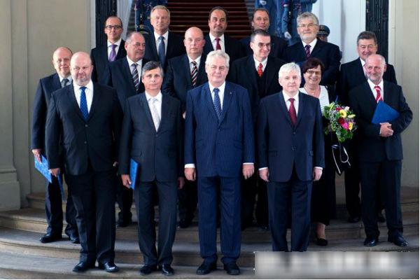 Президенту Чехии разрешили посетить 9 мая Москву, но не Парад Победы