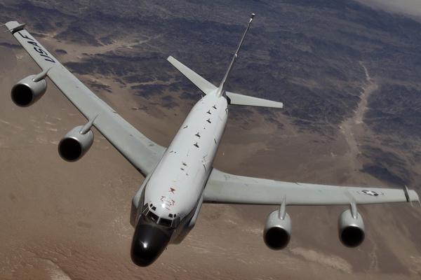 Минобороны России призвало Пентагон «не истерить» из-за перехвата самолета-разведчика