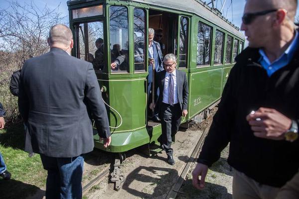 Президент Польши попал в ДТП на трамвае