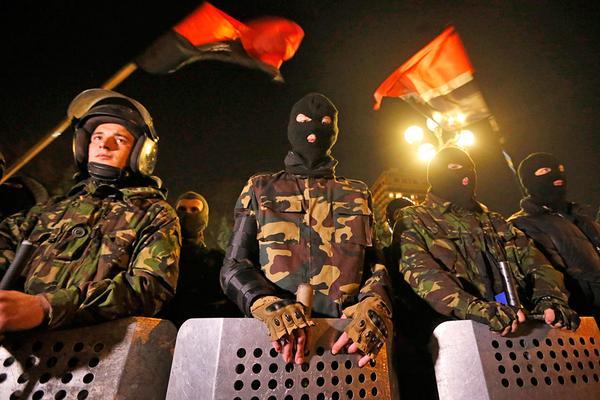 Украинская армия окружила базу «Правого сектора» и приготовилась ее расстрелять