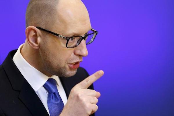 Яценюк: Украине нужна финпомощь как защитнице Европы