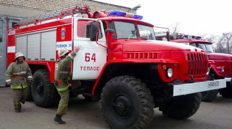 Сотрудники МЧС потушили загоревшийся Ан-2