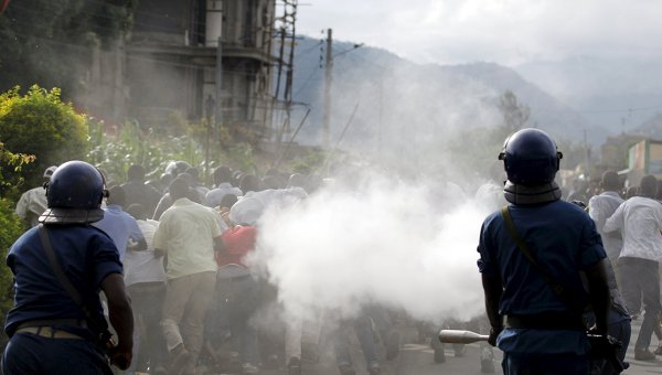 В Бурунди с помощью покрышки заживо сожгли мужчину