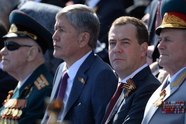 Медведев дал старт автопробегу Самара - Брест