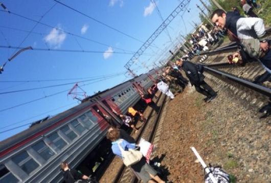 1 200 человек эвакуировали из-за возгорания в поезде Санкт-Петербург - Луга