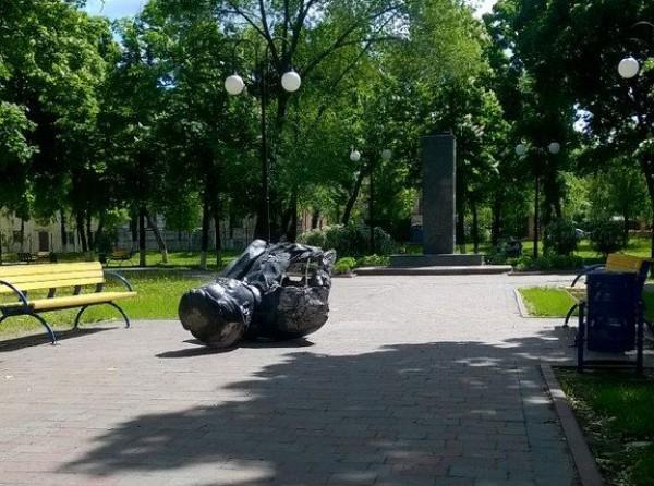 В Харькове неизвестные разбили бюст Кирова