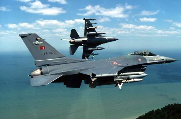 Турецкий истребитель сбил самолет Сирии