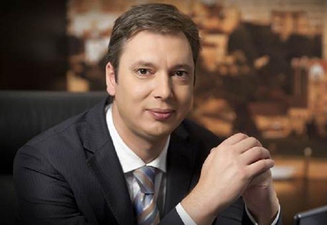 Сербия играет с