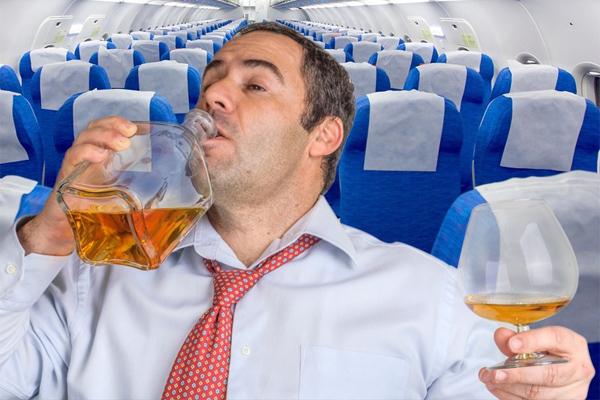 Пьяный дебошир вынудил пилота самолета совершить экстренную посадку в Краснодаре