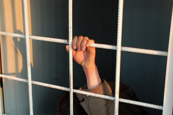 В Норильске мужчина свел счеты с жизнью в камере отдела полиции
