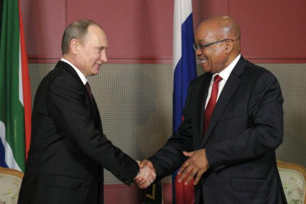 Путин отметил особый уровень отношений между РФ и ЮАР на встрече в честь Дня Победы