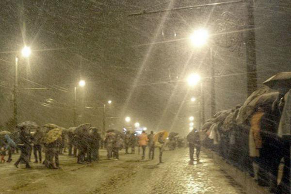 В День Победы Челябинск завалило снегом
