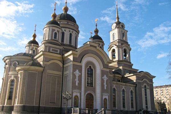 Моторола покрестил новорожденную дочь в главном храме Донецка