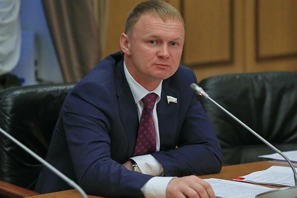 Частные военно-охранные компании могли предотвратить насилие в Донбассе