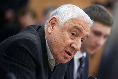 Скончался автор Конституции новой России Леонид Мамут