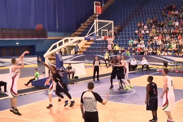 В Минске звезды NBA сыграли с белорусскими баскетболистами