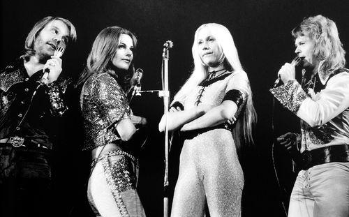 Умер бас-гитарист группы ABBA