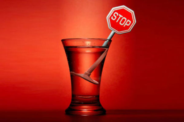 Роспотребнадзор: Снимать ограничение на рекламу алкогольной продукции недопустимо