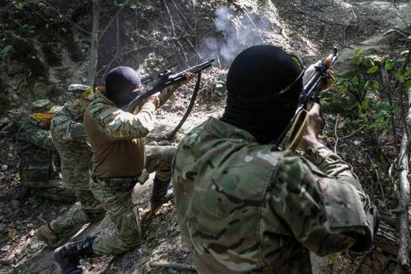 Бойцы ЛНР ликвидировали группу диверсантов в Луганске, один захвачен в плен