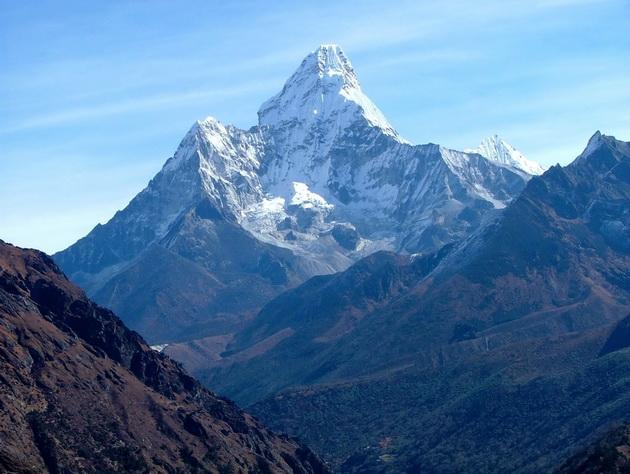 Учёные: Джомолунгма просела после землетрясения в Непале