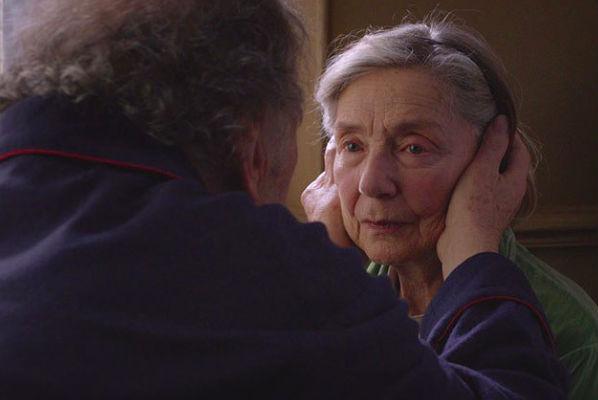 Пенсионер задушил тяжелобольную жену, чтобы избавить от мучений