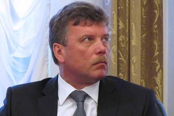 Вице-губернатор ХМАО выпал за борт катера на Иртыше