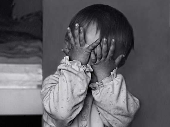 Забытую в гостях трехлетнюю девочку забили до смерти в Красноярском крае