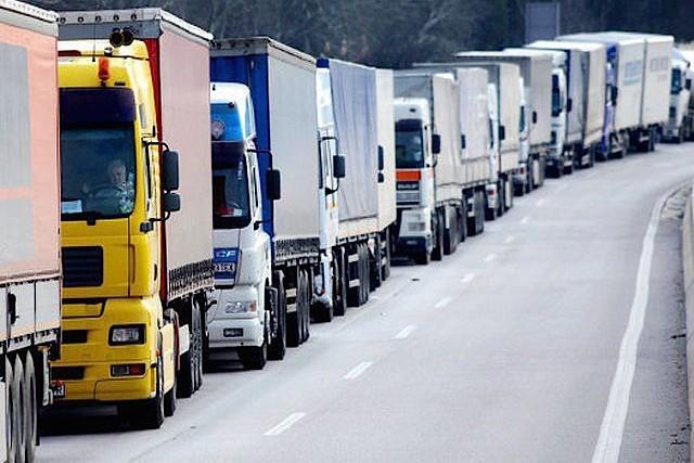 Число грузовиков на дорогах Москвы сократится на 20%
