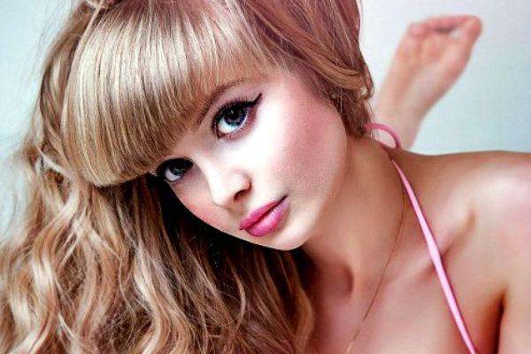 Московская блондинка превратилась в Барби и потрясла Британию